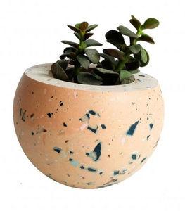 LES PIEDS DE BICHE - la polka terrazzo - Plant Pot Cover