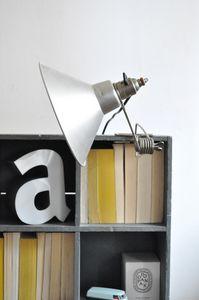 le vide grenier d'une parisienne -  - Clip On Light