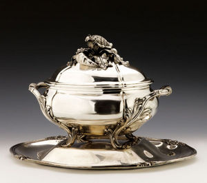 Dario Ghio Antiquites -  - Soup Tureen