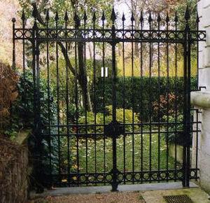ATELIER TAVERNIER -  - Entrance Gate