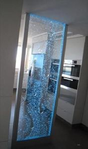SDECO INTERIORS - aqua bubble partition - Water Feature Wall