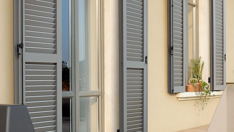ERCO Klapp-Lamellenfensterläden Fensterläden Fenster & Türen  |