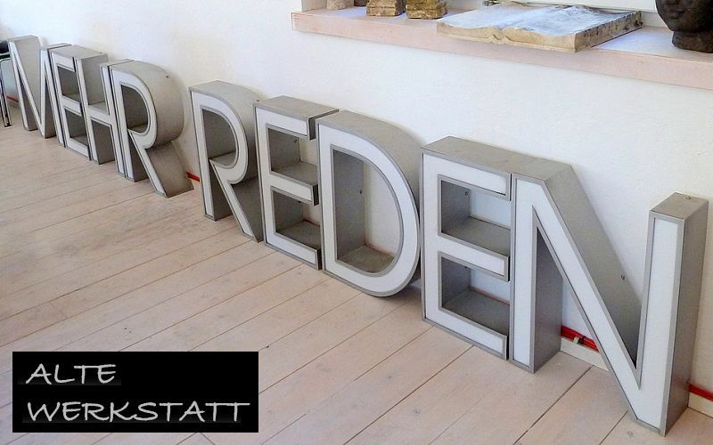 ALTE WERKSTATT Fassadenbuchstabe Eisenwaren Metallwaren  |