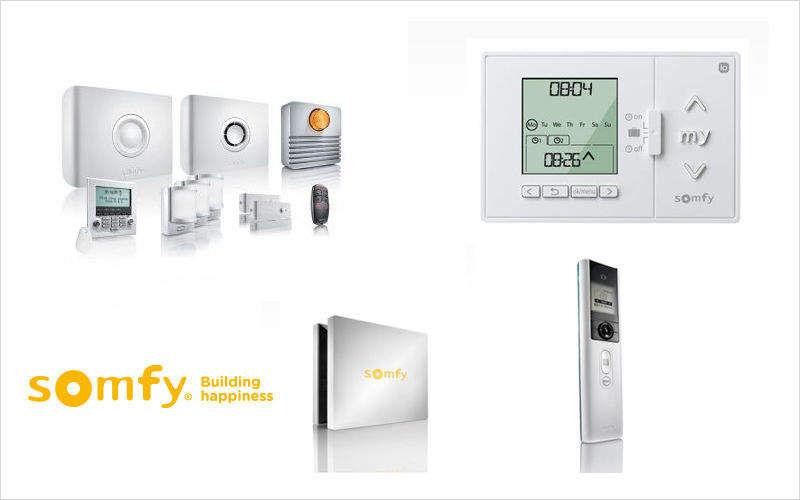 SOMFY Haustechnik Central Bedienung Fernbedienung Heimelektronik  |