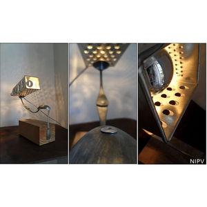 NINA IMAGINE... - lampe design récupération thèse - Tischlampen