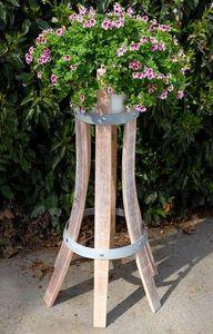 MEUBLES EN MERRAIN -  - Gartenständer