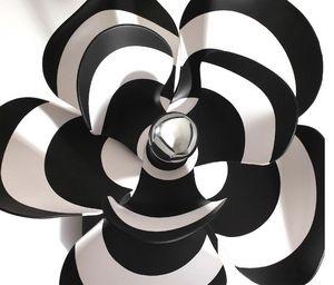 BLOOMBOOM - genevieve- - Tischlampen