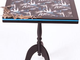 RELOADED DESIGN - mini table blue flowers - medium - Sockeltisch