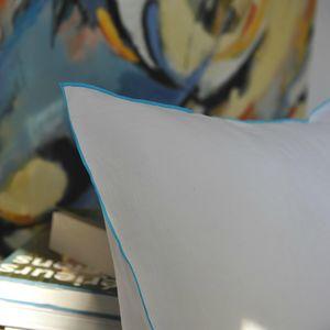 MAISON D'ETE - taie d'oreiller lin lavé blanc bourdon turquoise - Kopfkissenbezug