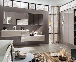 Delpha - glossy - Badezimmer