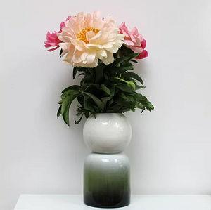 GABRIELLE THOMASSIAN -  - Vasen