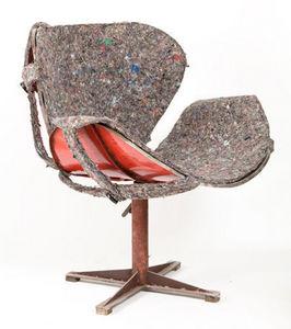 PO! PARIS - fauteuil en métal de récupération avec rêvètement - Rotationssessel