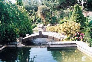 Lucien Fevriero - en vieux pavés - Garten Brücke