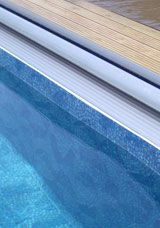 Polar Pools - swimming pool build and installation services - Traditioneller Schwimmbad