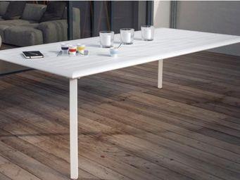 PROLOISIRS - table à lattes azuro en aluminium blanc sand - Gartentisch