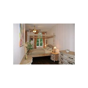 DECO PRIVE - lit à baldaquin en bois cérusé - Doppel Himmelbett