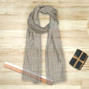 la Magie dans l'Image - foulard trèfle vert-de-gris beige - Vierecktuch