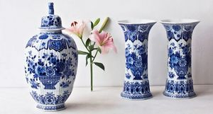 ROYAL DELFT -  - Vasen