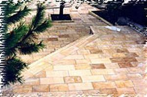 Pierres And -   - Bodenplatten Außenbereich