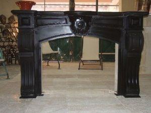 LES MEMOIRES D' ADRIEN - cheminée ancienne régence 18e sciècle - Rauchfangmantel