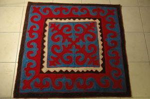 LA ROULOTTE DE LA SOIE -  - Traditioneller Teppich