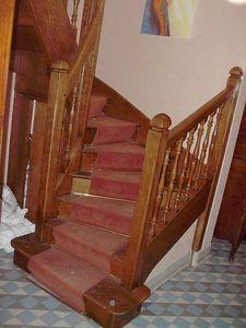 Antiques Forain -  - Zweimal Viertelgewendelte Treppe