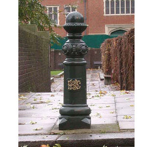 The Cast Iron Company - cast iron bollards - Parkplatz Pfosten