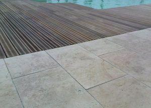 MARBRERIE DE LA CRAU -  - Poolstrand