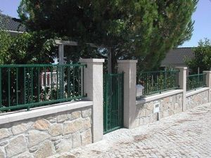 Lusitane - granit cloture provence - Gartenzaun