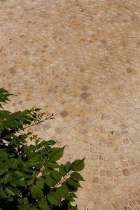 Occitanie Pierres - pavé queue de paon auberoche - Pflaster