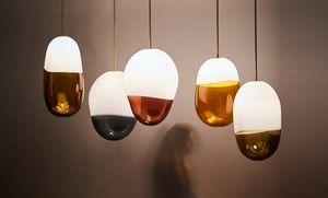 JEREMY MAXWELL WINTREBERT - pilule - Lámpara Colgante