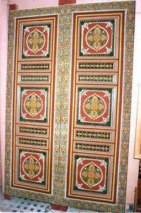Artiwood Maroc - porte d'entrée en cèdre peinte a main - Puerta De Entrada Maciza