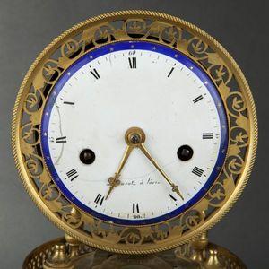 Expertissim - pendule en bronze ciselé et doré d'époque empire - Reloj Pequeño De Pared