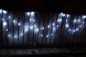 FEERIE SOLAIRE - guirlande solaire etoiles blanches 50 leds 9,3m - Guirnalda Luminosa