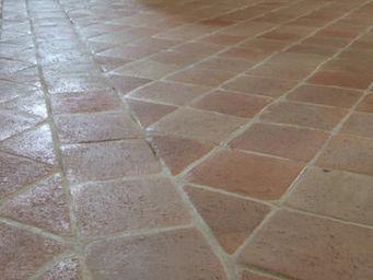 Ceramiques du Beaujolais - tomette terre cuite - Suelo De Terracota Antigua