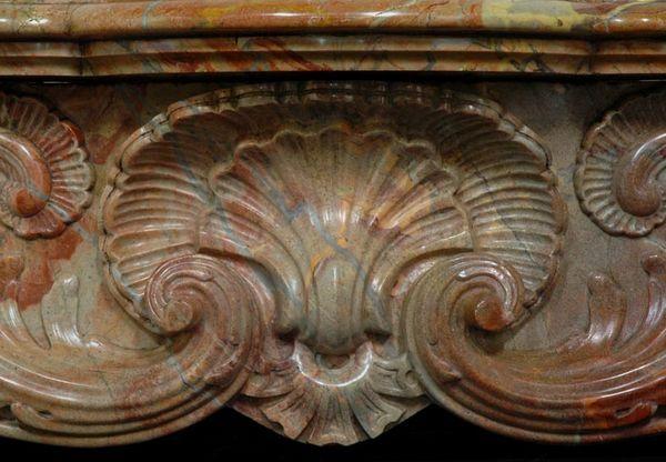 MAISON & MAISON - Campana de chimenea-MAISON & MAISON-Ducs de Nantes, Cheminée sur mesure en marbre
