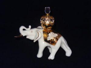FRANCOISE VIALARD -  - Figurina